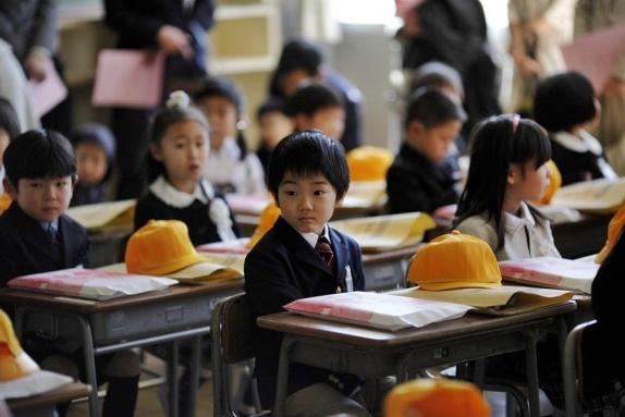 ob_839e4c_pb-110406-japan-school-da-03-photoblog